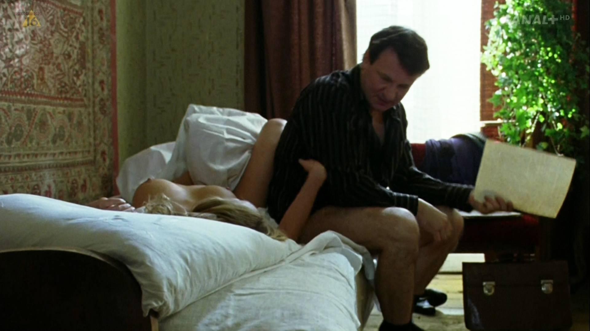 Magdalena Boczarska nude topless butt and sex in - Rozyczka (PL-2010) HDTV 1080p (6)
