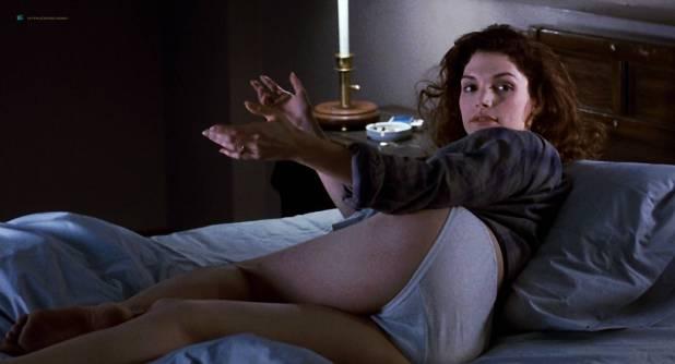 Mary Elizabeth Mastrantonio nude topless in - The Color of Money (1986) hd1080p (5)