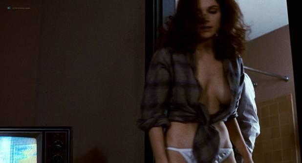 Mary Elizabeth Mastrantonio nude topless in - The Color of Money (1986) hd1080p (2)
