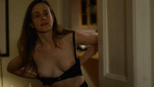 Maria Dizzia nude topless - Orange is the New Black (2014) s2e2 hd1080p
