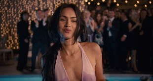 Megan Fox hot wet - How to Lose Friends and Alienate People (2008) HD 1080p BluRay (16)