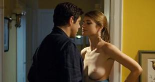 Nadir Caselli nude topless - Posti in piedi in paradiso (IT-2012) (4)