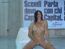 Debora Cali nude full frontal and labia - Ultimo Metro (IT-1999) (8)