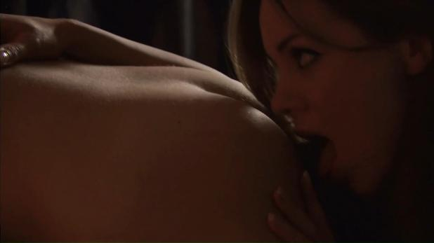 Roxanne McKee and Fiona Button nude butt and hot lesbian sex - Lip Service (2000-12) s1-2 hdtv1080p (7)