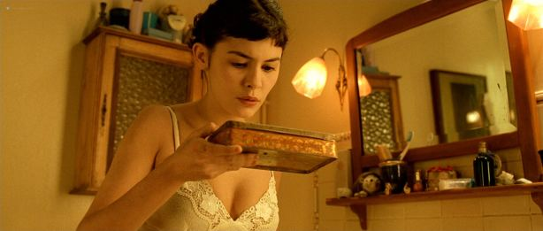 Audrey Tautou hot in lingerie Isis Peyrade nude - Amélie (FR-2001) HD 1080p (10)