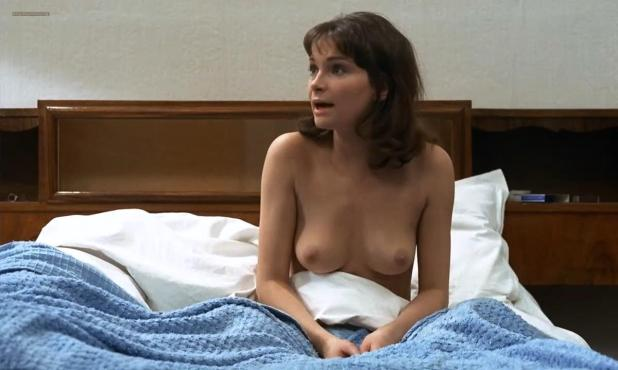Martine Brochard nude topless - Baisers voles (1969) hd720p (1)