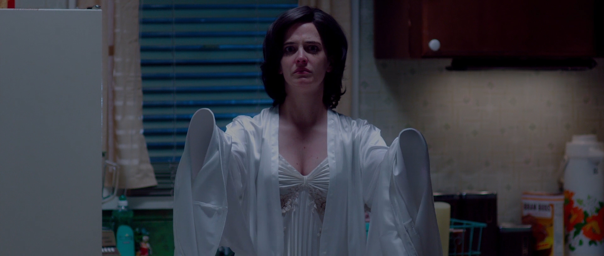 Shailene Woodley nude topless and sex Eva Green Hot - White Bird in a Blizzard (2014) hd1080p