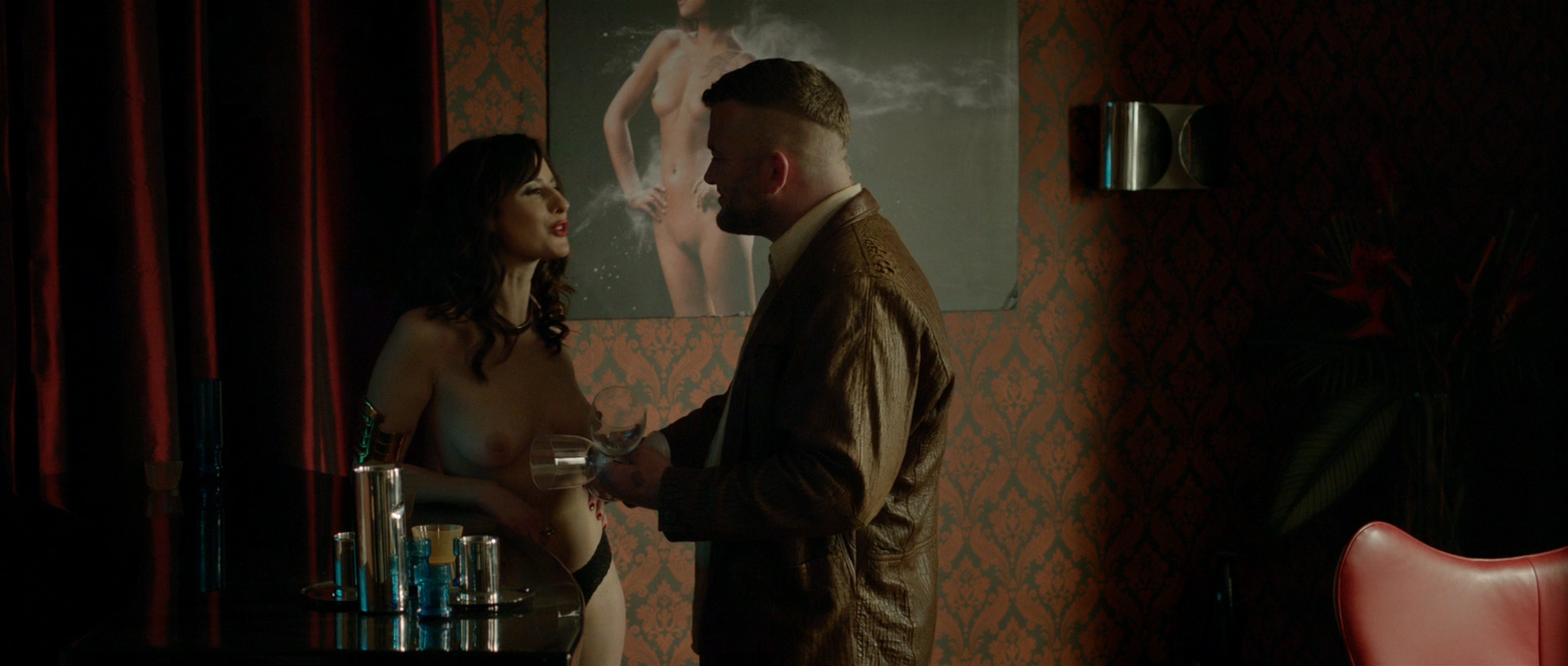 Alexis Knapp nude butt naked and very hot and few others full nude - The Anomaly (2014) hd1080p (12)