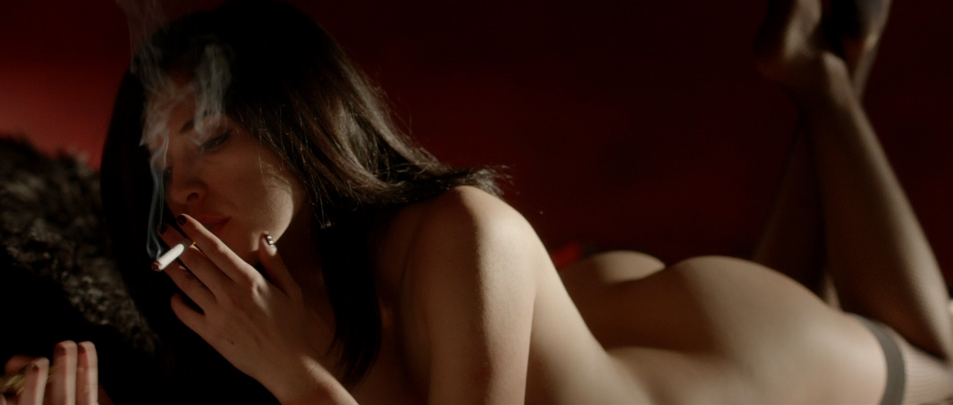 Alexis Knapp nude butt naked and very hot and few others full nude - The Anomaly (2014) hd1080p (6)