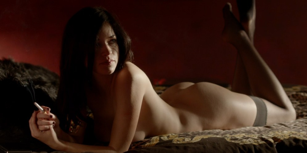 Alexis Knapp nude butt naked and very hot and few others full nude - The Anomaly (2014) hd1080p (5)