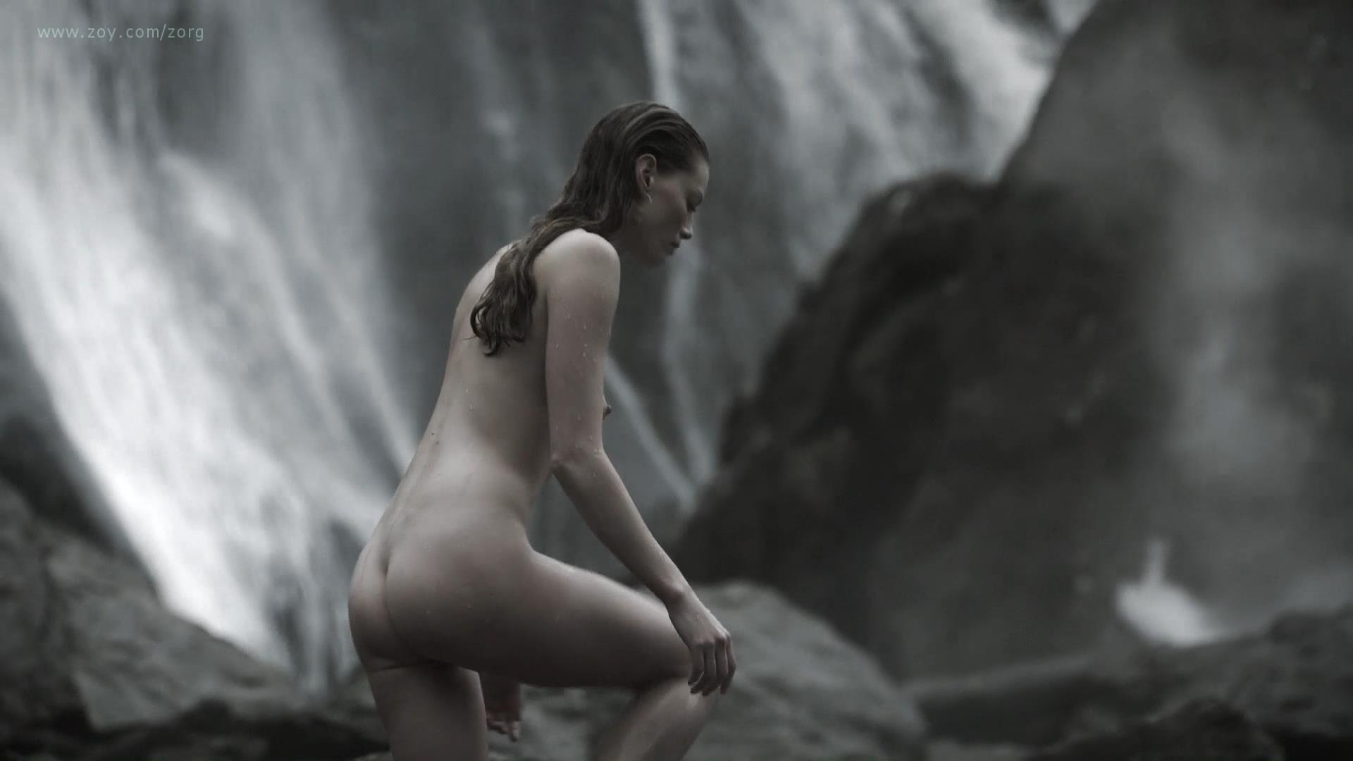 Alyssa Sutherland nude butt naked and nude side boob - Vikings (2013) s01e09 hd1080p (8)