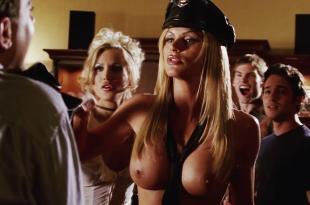 Amanda Swisten and Nikki Schieler Ziering nude topless and hot – American Wedding (2003) hd1080p