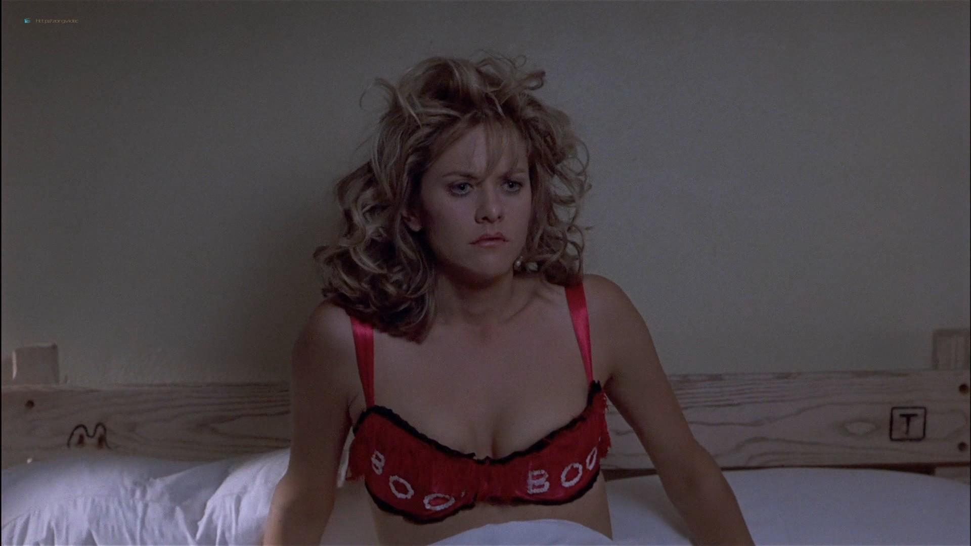 Gwyneth Paltrow nude Meg Ryan and Barbara Alyn Woods nude too - Flesh and Bone (1993) HDTV 1080p (18)