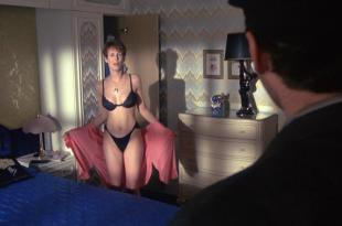 Jamie Lee Curtis hot and sexy – A Fish Called Wanda (1988) hd1080p