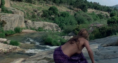 Jane Seymour nude side boob and nipple and Taryn Power nude side boob - Sinbad and the Eye of the Tiger (1977) hd1080p (7)