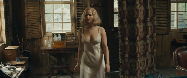 Jennifer Lawrence hot sexy some sex and great cleavage - Serena (2014) hd1080p (5)