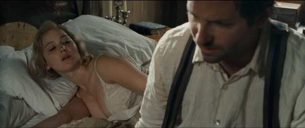 Jennifer Lawrence hot sexy some sex and great cleavage - Serena (2014) hd1080p (11)