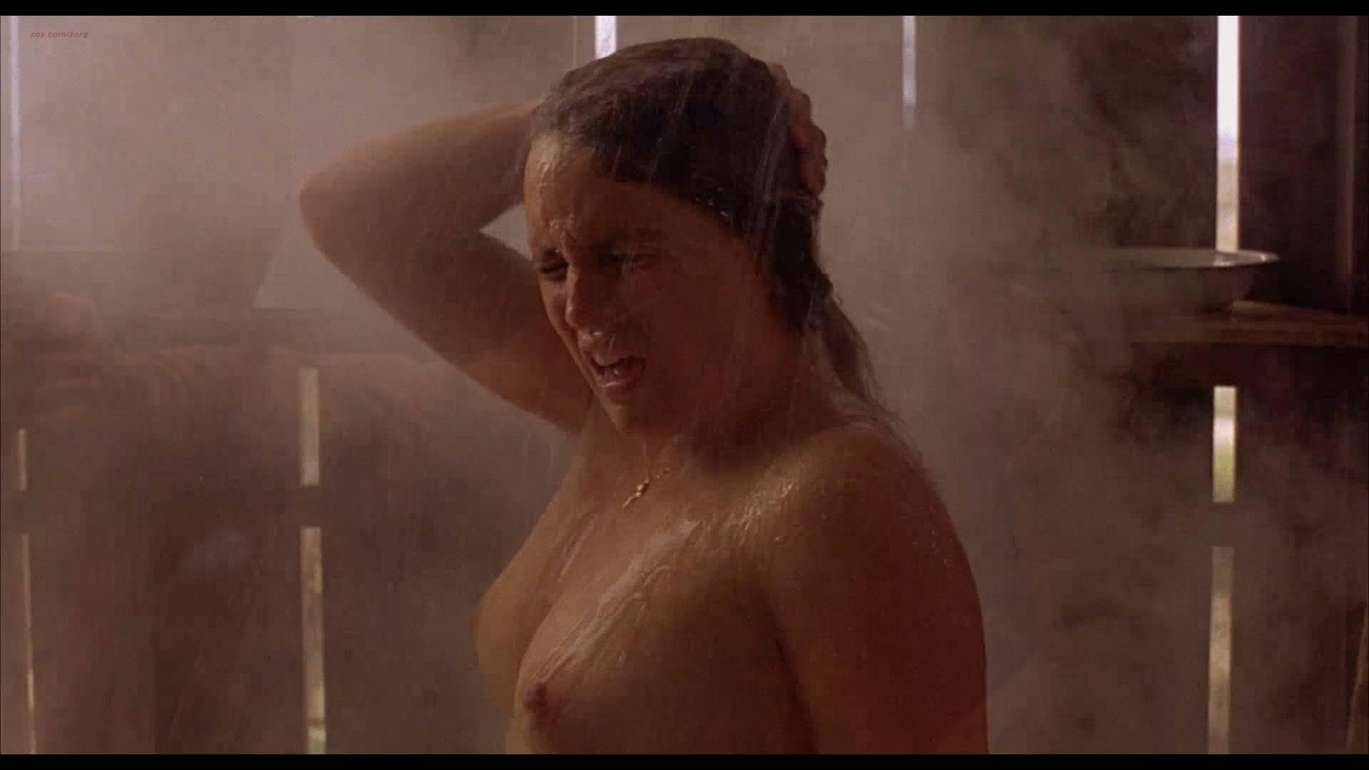 Lumi Cavazos nude full frontal Claudette Maille nude bush and Regina Torné nude topless - Como agua para chocolate (1992) 1080p (12)