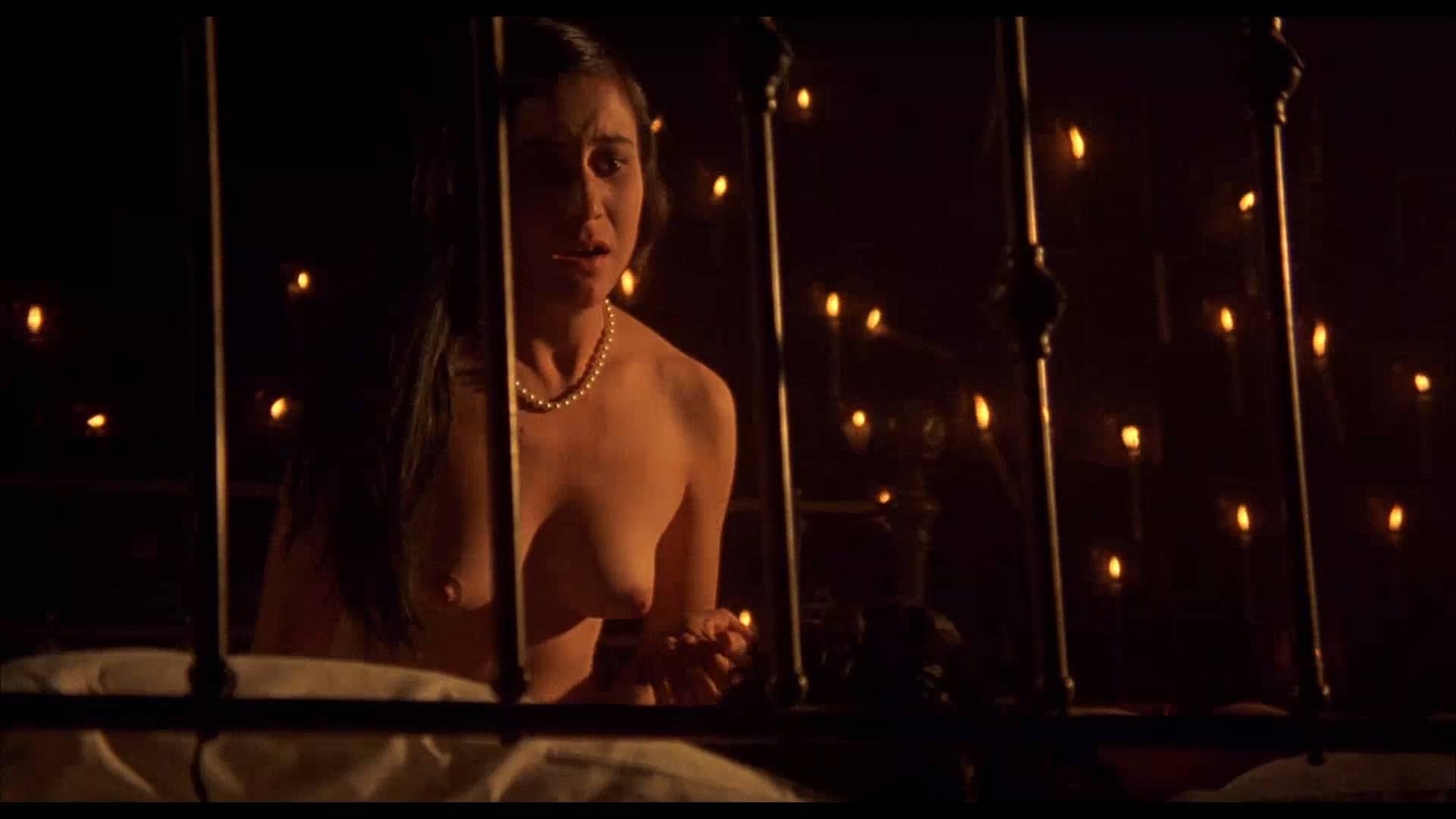 Lumi Cavazos nude full frontal Claudette Maille nude bush and Regina Torné nude topless - Como agua para chocolate (1992) 1080p (3)