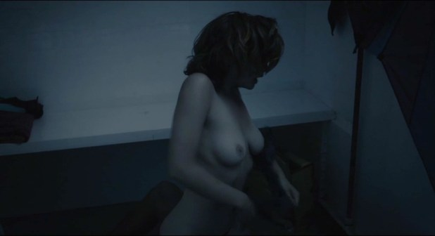 Eline Kuppens nude full frontal and Maaike Neuville nude bush - Weekend aan Zee (BE-2012) (10)
