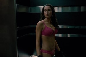 Elizabeth Banks hot pokies and Genesis Rodriguez hot and sexy in bra and panties – Man on a Ledge (2012) hd1080p