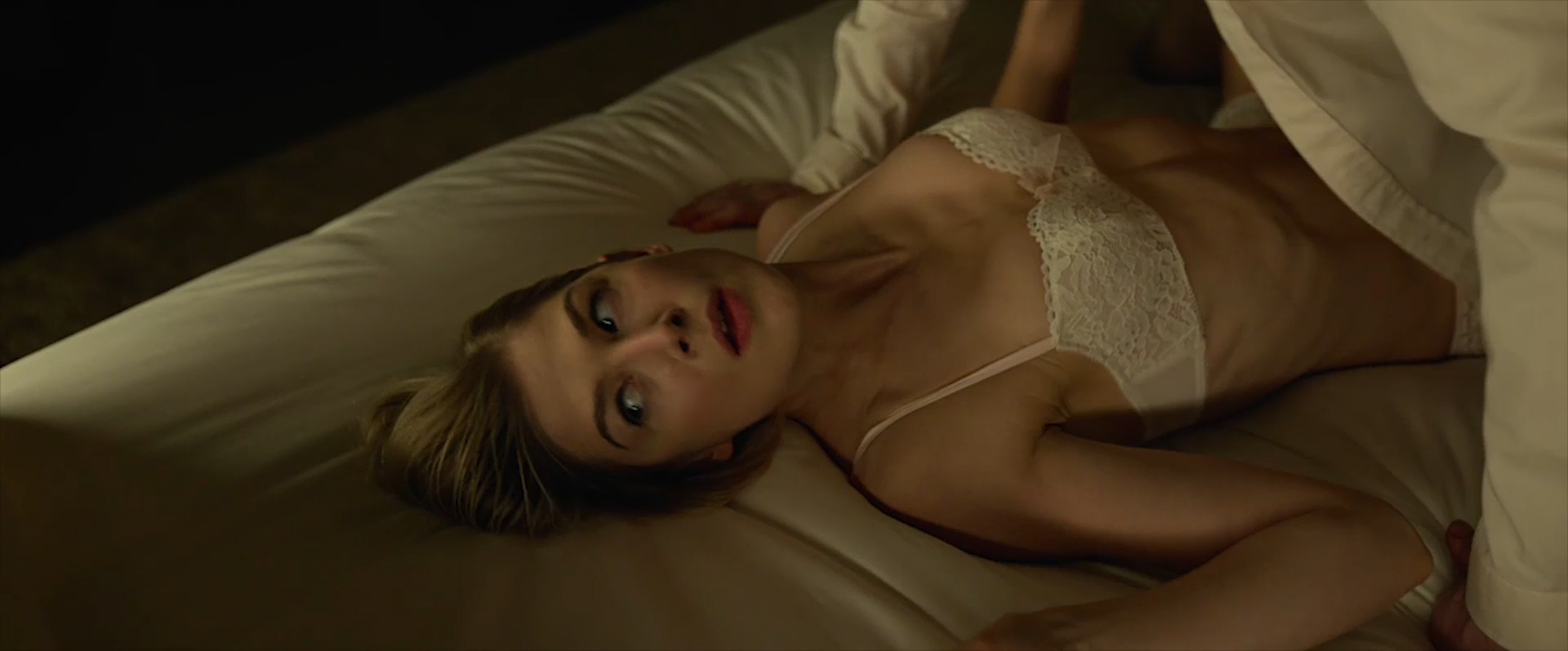 Rosamund Pike nude side boob and sex and Emily Ratajkowski nude topless and sex - Gone Girl (2014) WEB-DL hd1080p (3)