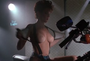 Chelsea Field nude butt Bobbie Tyler nude huge tits – Harley Davidson and the Marlboro Man (1991) hd720p