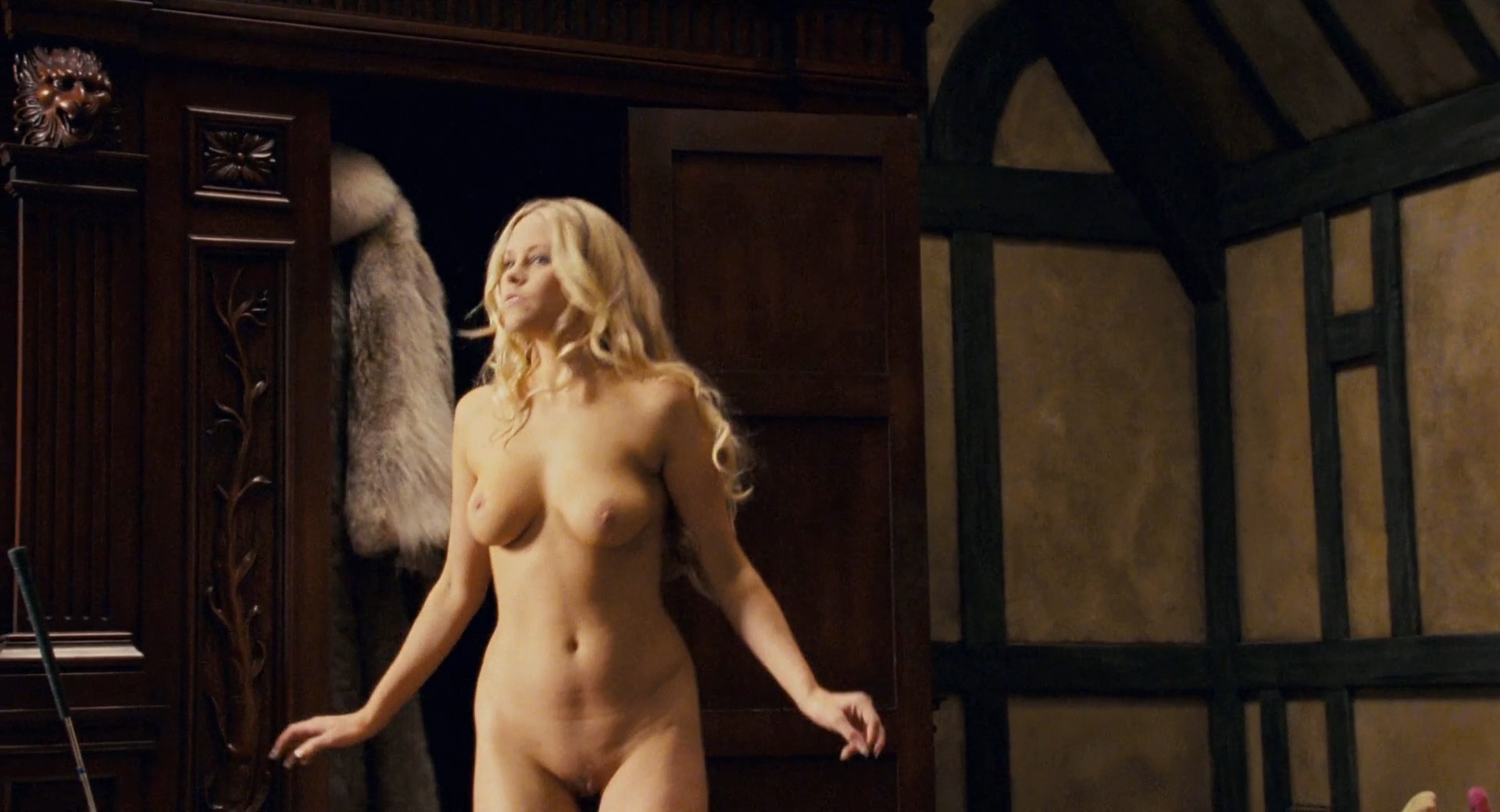 Carmen Electra hot Audra Lynn nude and Heather Storm nude too - Epic Movie (2007) hd1080p (5)
