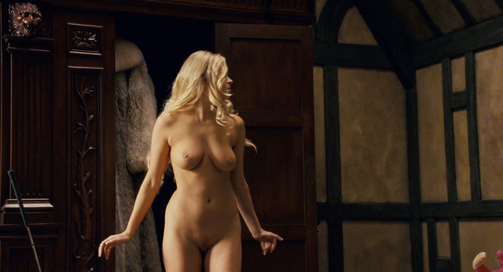 Carmen Electra hot Audra Lynn nude and Heather Storm nude too - Epic Movie (2007) hd1080p (4)