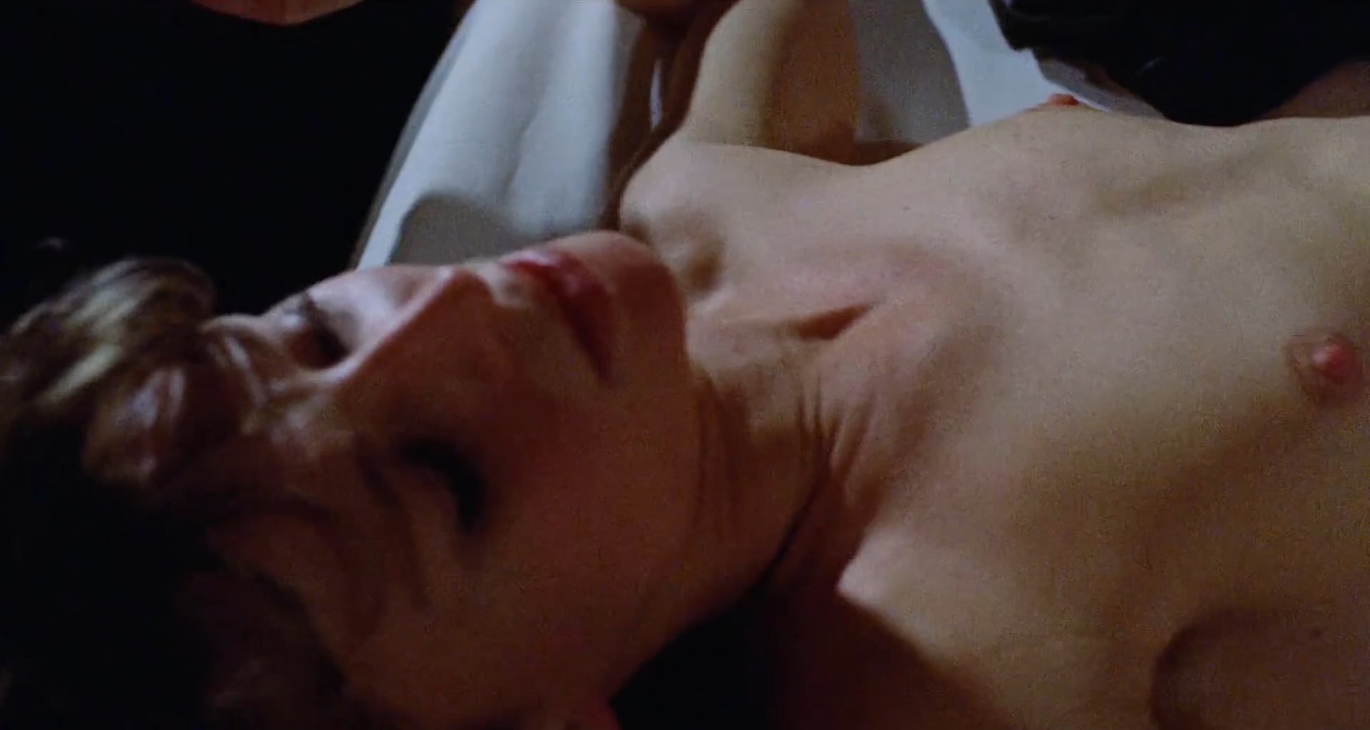Julie Christie nude topless and sex - Don't Look Now (1973) hd1080p (2)