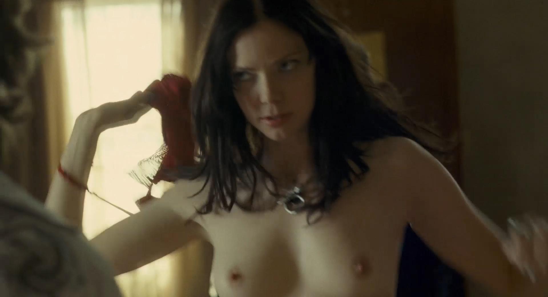 Sara paxton nude scenes
