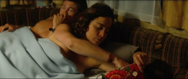 Alice Braga nude topless and Teresa Palmer hot but not nude - Kill Me Three Times (2014) hd1080p BluRay (5)