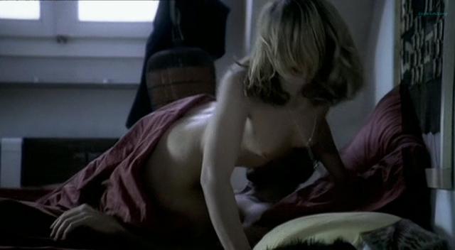 Barbora Bobulova nude full frontal - La spettatrice (IT-2004) (13)