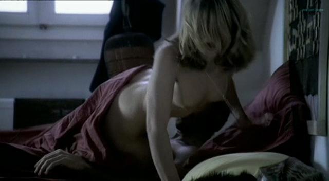 Barbora Bobulova nude full frontal - La spettatrice (IT-2004) (12)