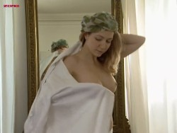 Edwige Shaki nude topless - La Cambrure (FR-1999) (8)