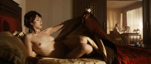Olga Kurylenko nude full frontal and very hot - Hitman (2007) hd1080p (7)