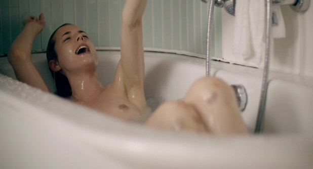 Agyness Deyn nude topless bush and sex - Electricity (UK-2014) WEB-DL hd720p (2)