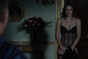 Elizabeth Hurley hot sexy in lingerie – The Royals (2015) s1e1-e5 hd1080p