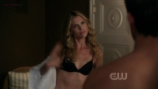 Sara Foster hot in bra - 90210 (2009) s1e24