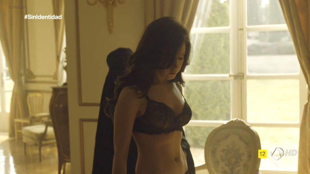 Megan Montaner nude sex and Veronica Sanchez nude too - Sin Identidad (ES-2014) S1 HDTV 720p (11)