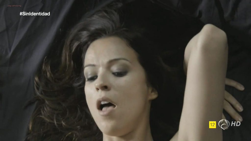 Megan Montaner nude sex and Veronica Sanchez nude too - Sin Identidad (ES-2014) S1 HDTV 720p (8)