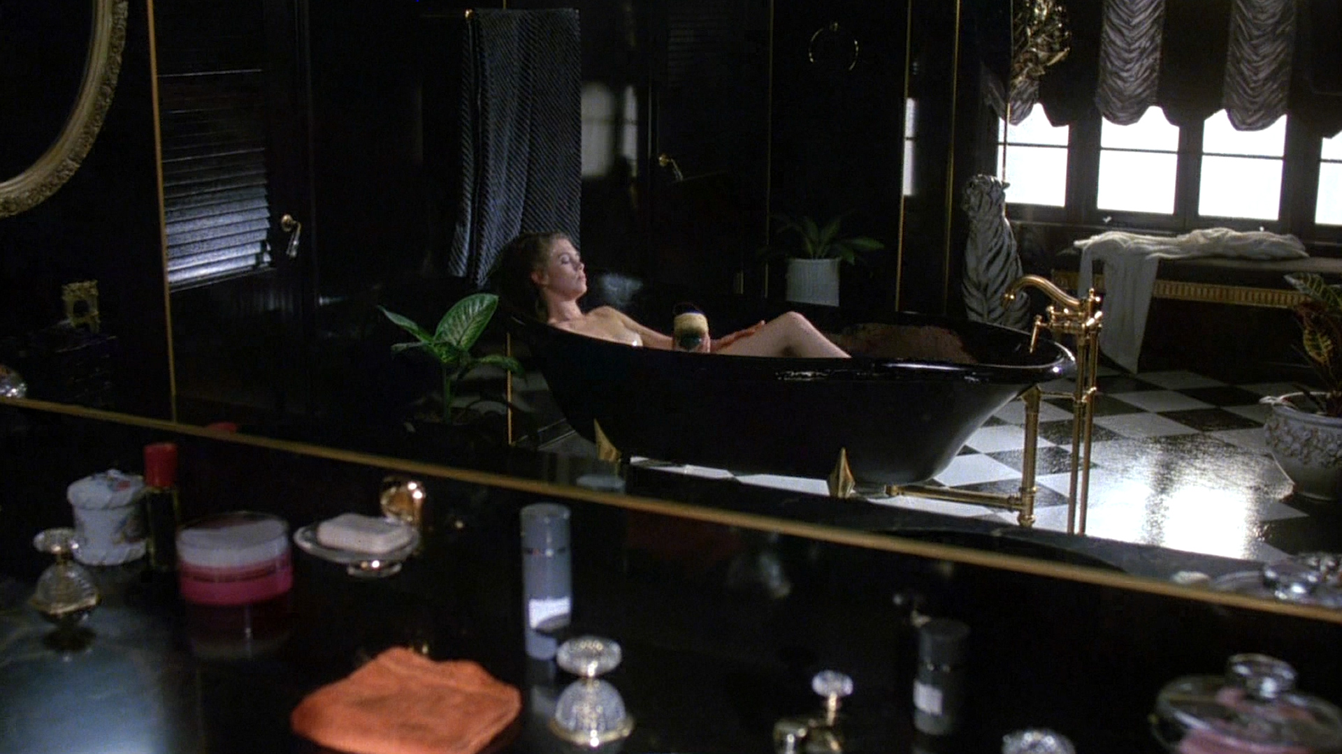 Kathleen Turner nude topless bush and sex - Body Heat (1981) hd1080p BluRay (3)