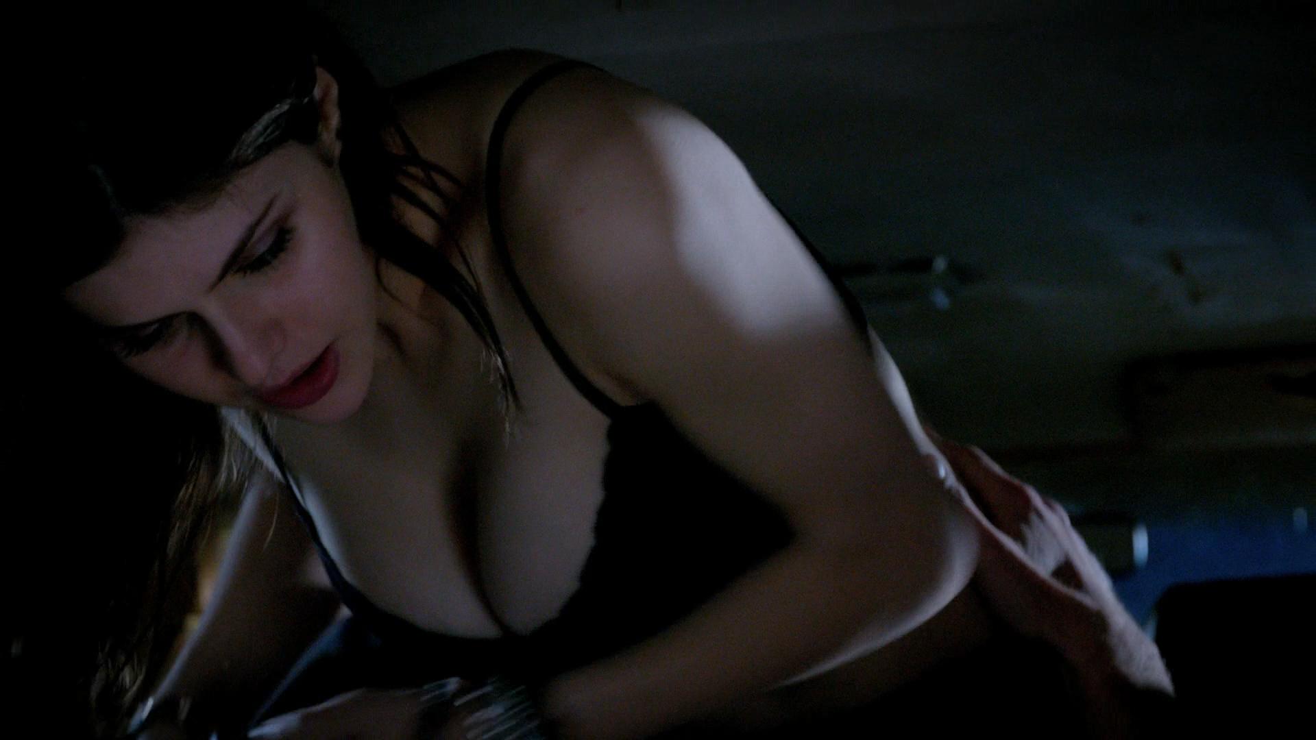 Alexandra Daddario hot cleavage and Ashley Greene hot - Burying the Ex (2014) hd1080p BluRay (3)