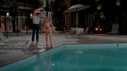 Beverly D'Angelo nude topless and Christie Brinkley hot in bra - National Lampoons Vacation (1983) hd1080p BluRay (12)
