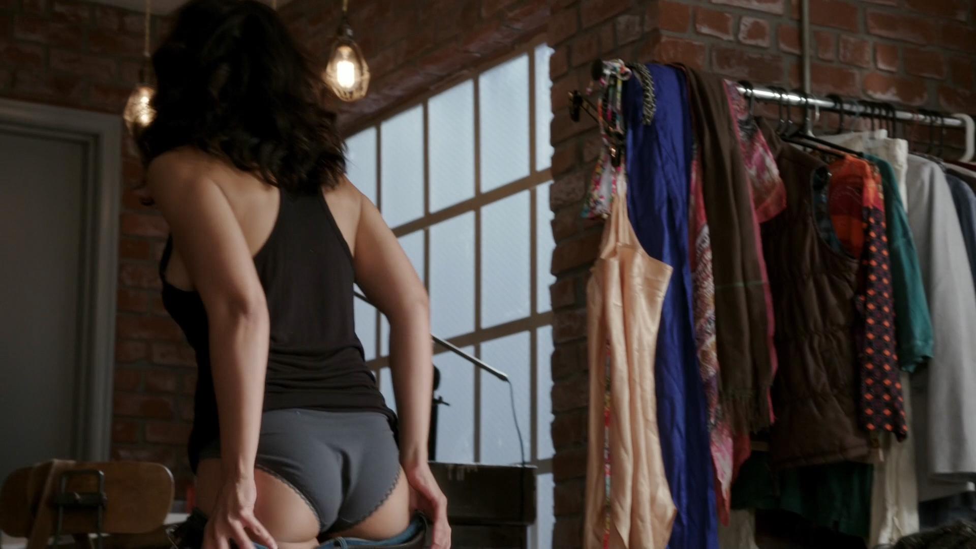 Emmanuelle Chriqui Hot Ass In Panties In Sex Scene -4712
