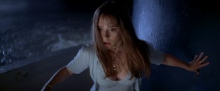 Jennifer Love Hewitt hot cleavages and Sarah Michelle Gellar hot and sexy - I Know What You Did Last Summer (1997) hd1080p BluRay