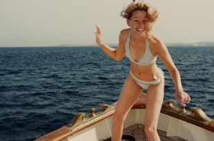 Madonna nude brief boobs Elizabeth Banks hot bikini - Swept Away (2002) hd1080p Web-DL (8)