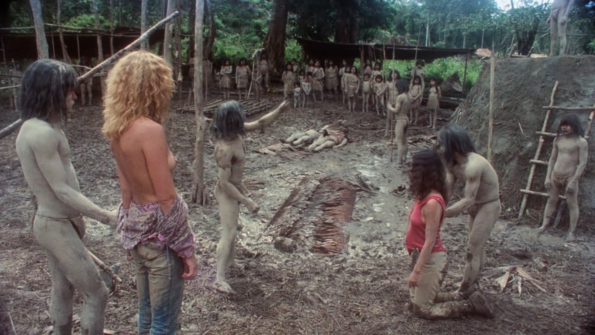 Zora Kerova nude topless - Cannibal Ferox (IT-1981) hd1080p BluRay (1)
