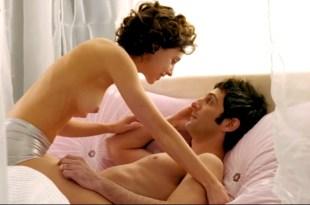 Leticia Dolera nude topless – Semen, una historia de amor (ES-2005)