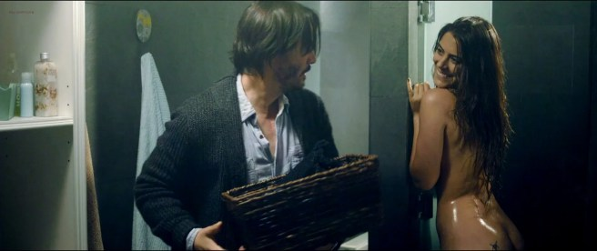 Ana de Armas nude and Lorenza Izzo nude - Knock Knock (2015) HD 720-1080p BluRay (12)